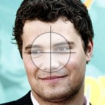 Picture of Levi Johnston with crosshairs on his face